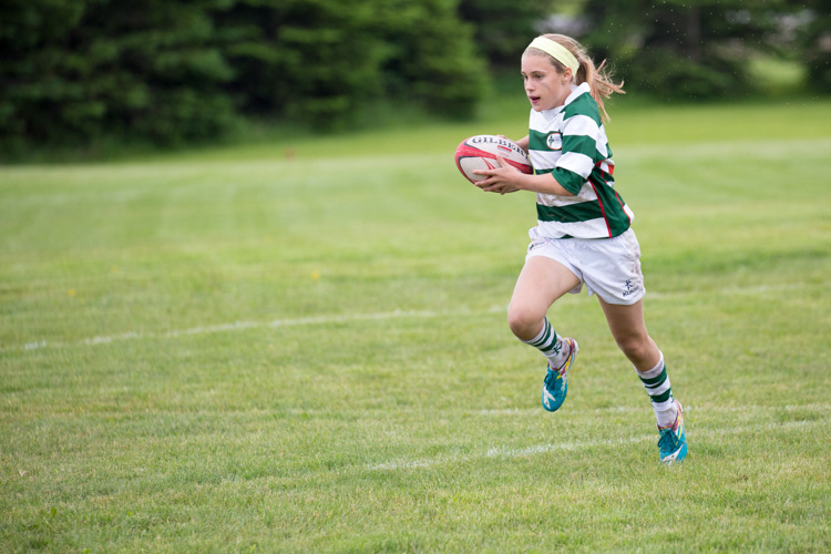 http://digital-photography-school.com/wp-content/uploads/2016/11/girls_rugby_sports.jpg
