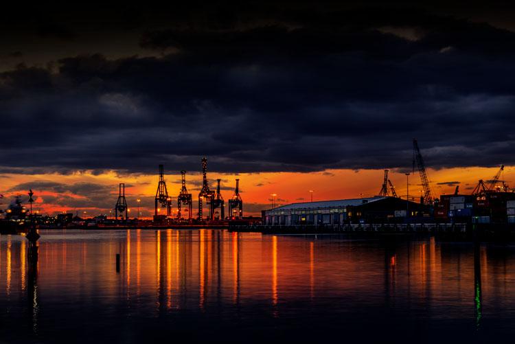 leannecole-benro-tripod-docklands-sunset