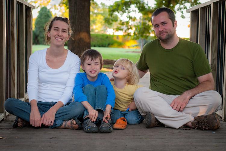 pose group portraits bridge family