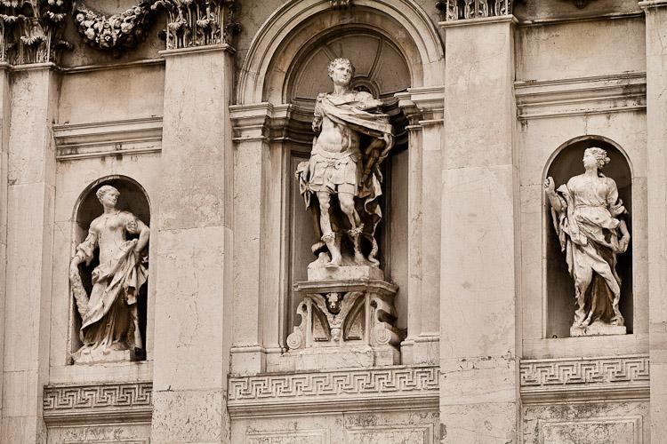 Santa Maria della Salute galleries and museums